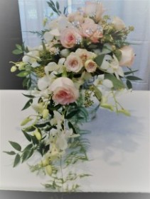 Cascading Bridal Bouquet B012
