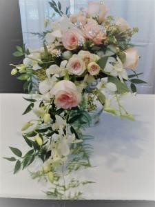 Cascading Bridal Bouquet B012