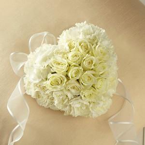 Casket Adornment  Funeral Flowers in Lexington, NC | RAE'S NORTH POINT FLORIST INC.