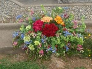 CASKET SPRAY CT13-21 FUNERAL FLOWERS in Cloverdale, CA | ANNIE'S FLORAL
