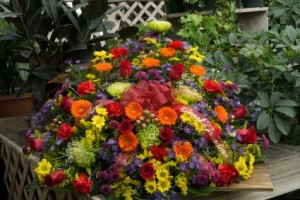 Casket Spray S18  in Vincennes, IN | ORGAN FLORIST & GREENHOUSES