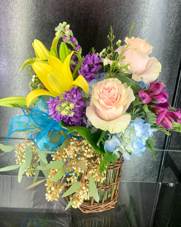 Casual Elegance  Vase arrangement