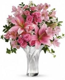 Celebrate Mom Bouquet T13M100A