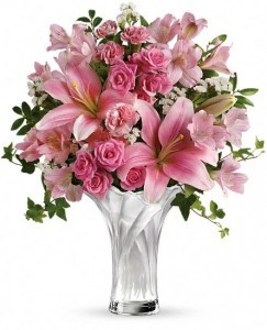 Celebrate Mom Bouquet T13M100A