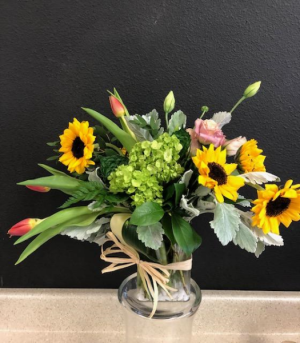Celebrate Mom Luxuary Bouquet in Monument, CO | ENCHANTED FLORIST
