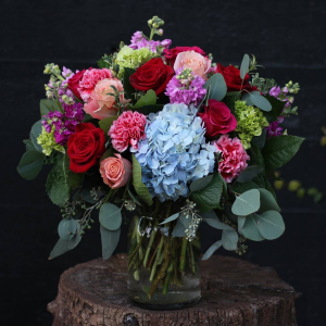 Change in Color   in Oakville, ON | ANN'S FLOWER BOUTIQUE-Wedding & Event Florist