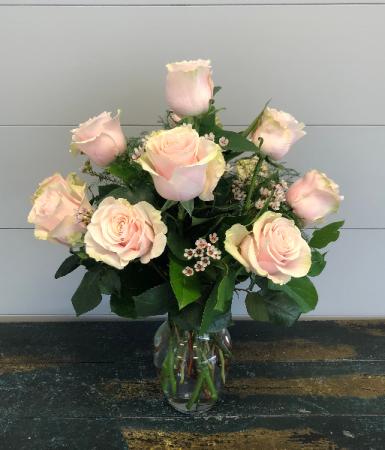 Light Pink Roses: Half Dozen, 1 Dozen, or 2 Dozen Vase Arrangement
