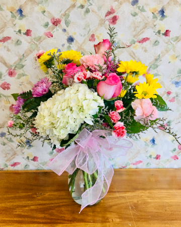 chantilly vase Arrangement