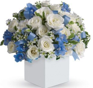 CHARMING BOX ELEGANT MIXTURE OF FLOWERS