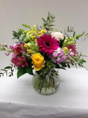 Cheerful Bouquet Vase Arrangement