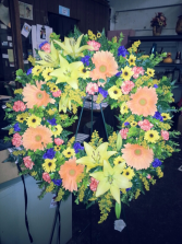 Cheerful Memories Standing Wreath