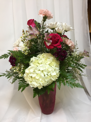 Cherished Bouquet All around arrangement in Berwick, LA | TOWN & COUNTRY FLORIST & GIFTS, INC.