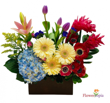 Chic Love Bouquet Flower Arrangement