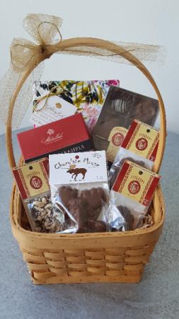 Chocolate Basket  in La Grande, OR | FITZGERALD FLOWERS