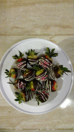 chocolate covered strawberries candy