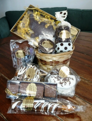 Chocolate Lovers Gift Basket in Bluffton, SC | BERKELEY FLOWERS & GIFTS