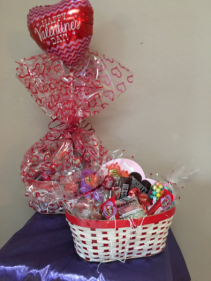 Chocolate luv bundle xoxo Basket of asst chocolates