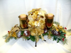 Christmas Christmas Arrangment in Vinton, OH | COUSIN'S FLORAL