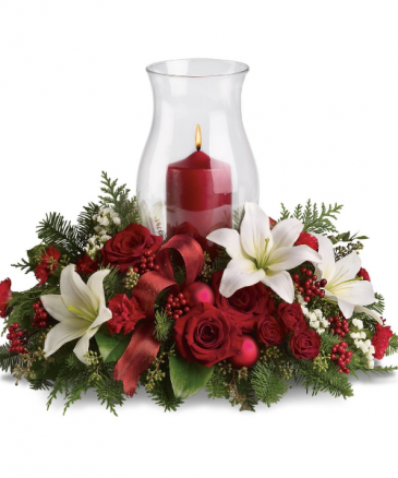 Christmas arrangement with hurricane