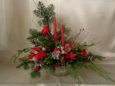 CHRISTMAS CARDINAL ARRANGEMENT