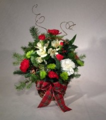 Christmas Cheer Basket Centerpiece
