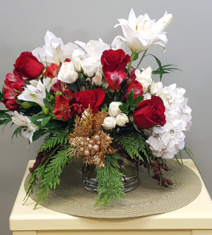 Christmas Cheer Centerpiece in Mount Pleasant, SC | BELVA'S FLOWER SHOP