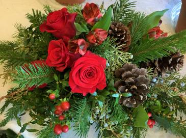 Christmas Cheer Floral Arrangement