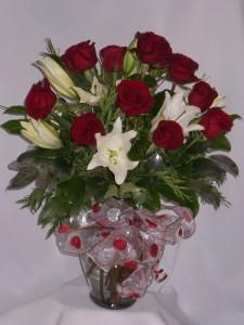 HEART OF MINE  Christmas Flowers & Roses. Flowers For Christmas, Christmas Holiday Greetings, Flowers, Flowers