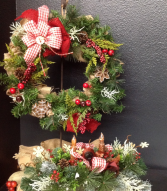 Christmas Everlasting Wreaths and Tabletop