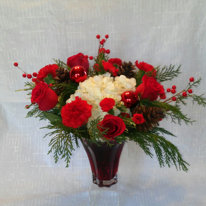 Christmas Keepsake Vase in Powell, OH | MILANO FLORIST