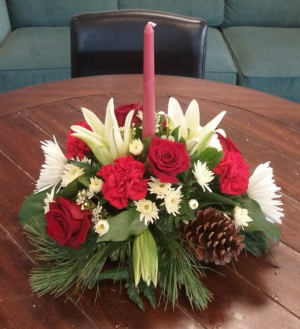 Christmas Party Centerpiece in Bluffton, SC | BERKELEY FLOWERS & GIFTS