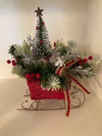 Christmas Sleigh Arrangement Silk