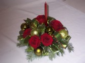 Christmas Flowers - CHRISTMAS TIDINGS CENTERPIECE Christmas Flowers, Roses, and Bulbs Decorations. Christmas Home For The Holiday Flowers