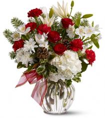 Christmas Tradition Floral Arrangement