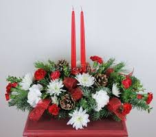 Christmas Traditions Centerpiece in Windsor, NS | DANIELS FLOWER SHOP