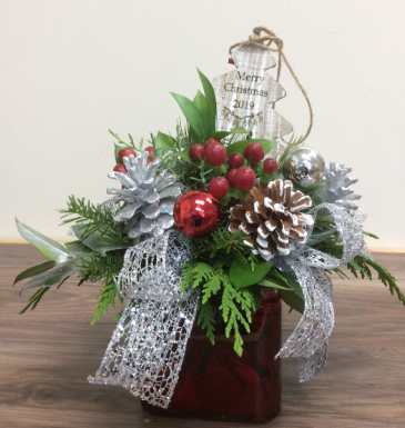 Christmas wishes 2019 Fresh arrangement with wooden tree ornament
