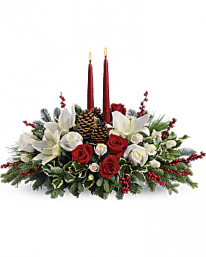 Christmas Wishes Centerpiece Christmas flowers in Miami, FL | FLOWERTOPIA
