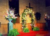 BRITT WEDDING/BAPTIST CHURCH FLORAL COVERED BRASS ARCH