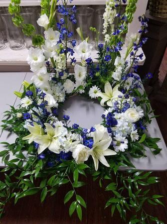 Circle of Eternal Love Cremation Urn Wreath