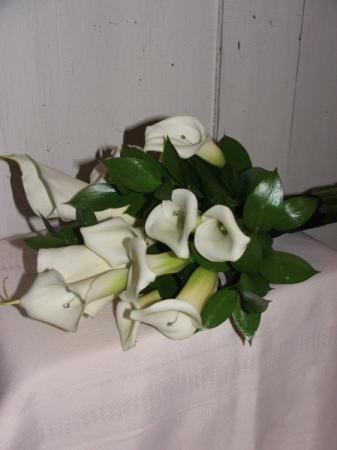 Classic Callas Handheld Bouquet