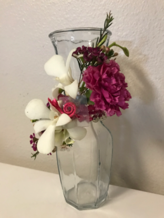 Classic Carnation on Wax Table Decor vase