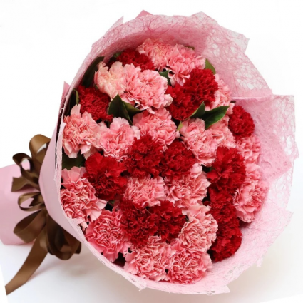 Classic Carnations European Hand Tied Cut Bouquet (no vase)