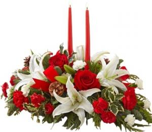 TRADITIONAL CHRISTMAS CENTERPIECE in Garrett Park, MD | ROCKVILLE FLORIST & GIFT BASKETS