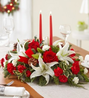 CLASSIC  CHRISTMAS CENTERPIECE in Bethel, CT | BETHEL FLOWER MARKET OF STONY HILL
