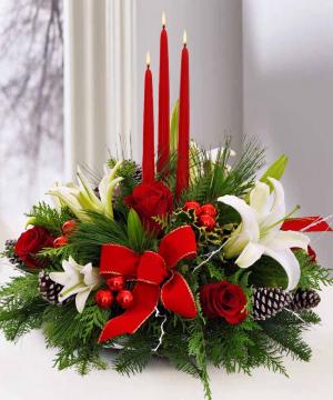 Classic  Christmas Centrepiece   in Oakville, ON | ANN'S FLOWER BOUTIQUE-Wedding & Event Florist