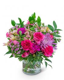 Classic Cosmopolitan Flower Arrangement