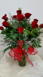 CLASSIC DOZEN LONG STEMMED ROSES Rose Arrangement in Davis, CA | STRELITZIA FLOWER CO.
