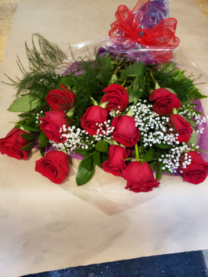 Classic dozen red roses Bouquet in Stouffville, ON | Centerpiece Flowers