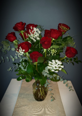 Classic Dozen Red Roses Long stem Red Roses
