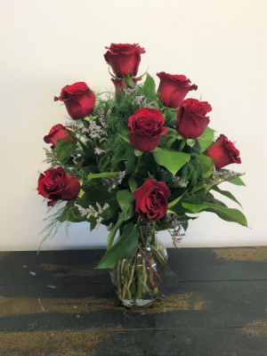Classic Dozen Red Roses Vase arrangement in Bluffton, SC | BERKELEY FLOWERS & GIFTS